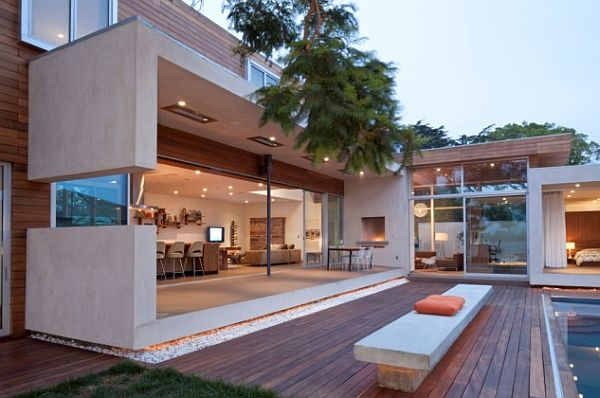 Open plan living to outdoors