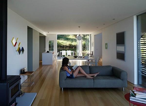 Otama beach house amalgamates nyc charm with new zealand s for Beach house living room decor