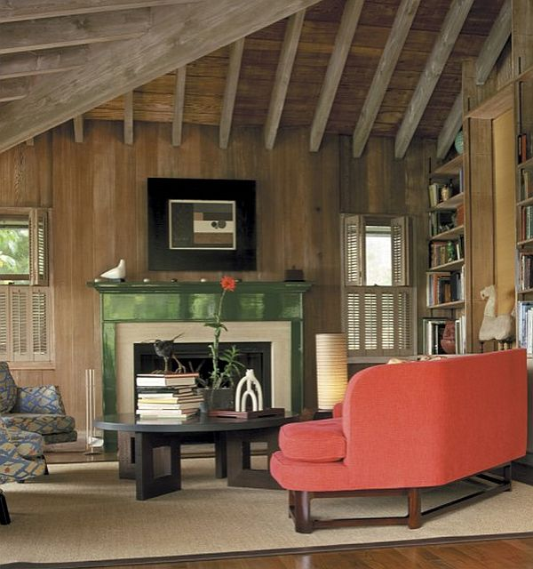 Retro-tropical-living-room-with-green-mantle-decoration-hawaii