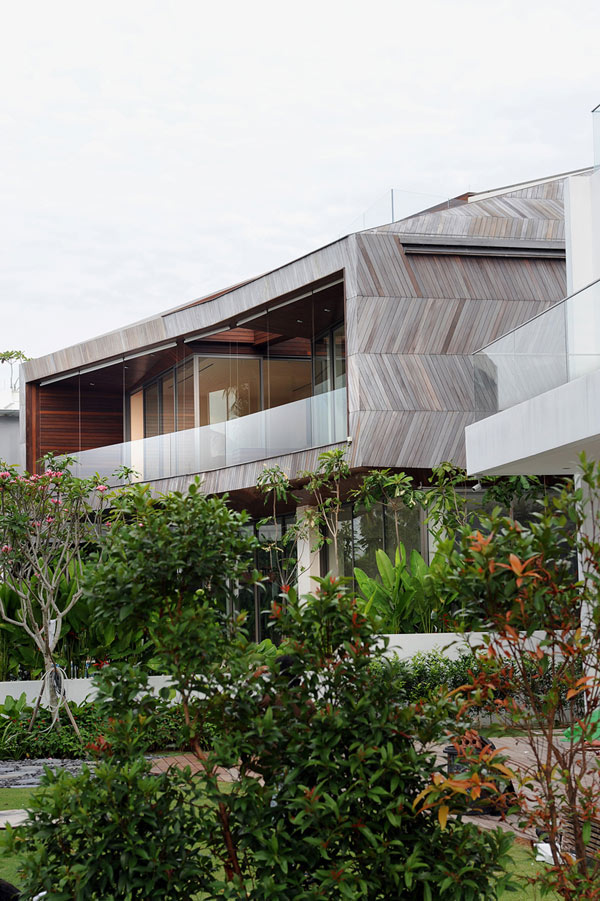 Stereoscopic House Singapore 4 – backyard view