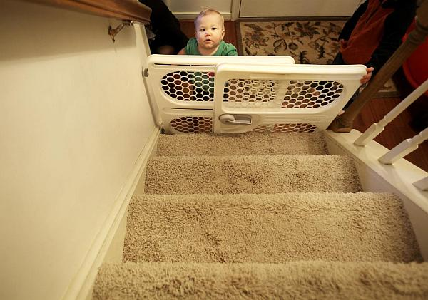 babyproof-your-staircase