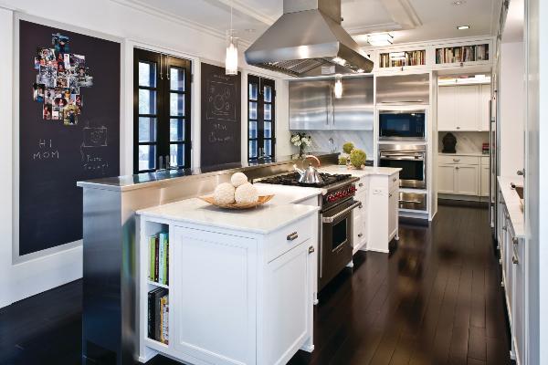 Http Www Decoist Com 2012 05 10 Bistro Kitchen Decor How To Design A Bistro Kitchen
