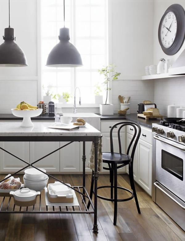 Bistro kitchen decor how to design a bistro kitchen for Parisian style kitchen ideas