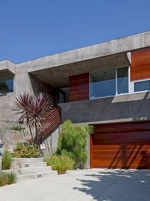 concrete and wood villa