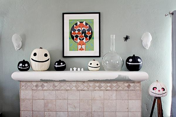 halloween-decorations-mantle-piece