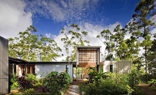 house built of reclaimed wood Contemporary Australian Home Built Using Reclaimed Wood: Storrs Road Residence