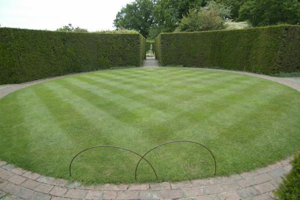modern geometric garden design