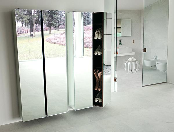 modern-mirror-and-shoe-closet