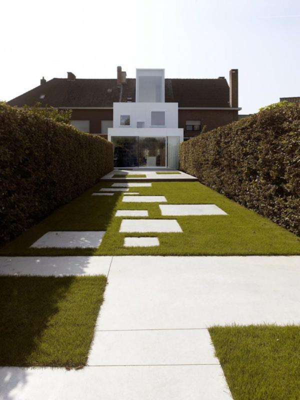modern yard landscaping