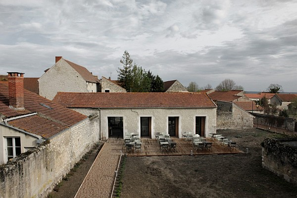 old barn transformation renovation – restaurant charroux, france 1