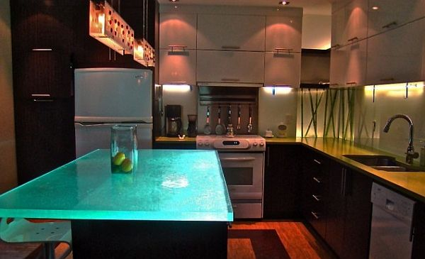 small contemporary kitchen with large countertops