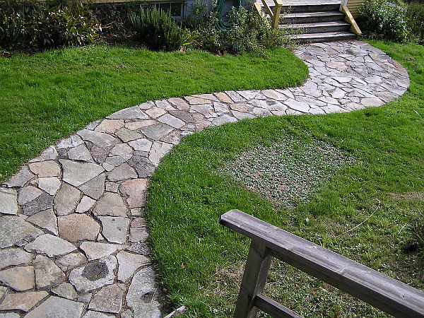 How to build a stone pathway Natural stone walkways