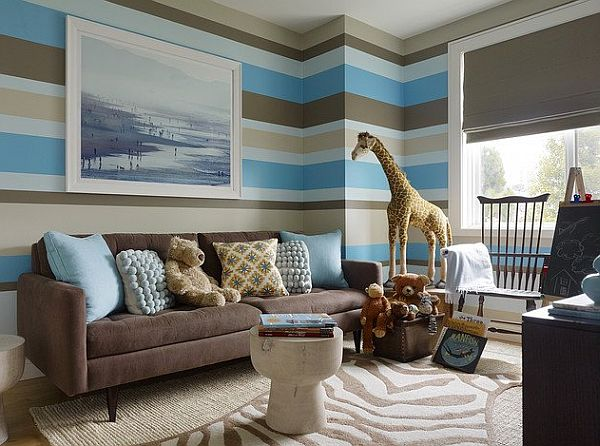 Striped walls living room brown blue and white decoist for Blue brown living room decor