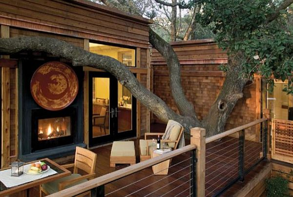 stunning-porch-design-with-wooden-furnishings