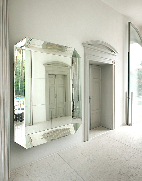 decorating with one large wall mirror