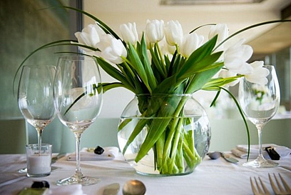 View In Gallery A Vase Full Of Tulips Serve As Dining Table Centerpiece