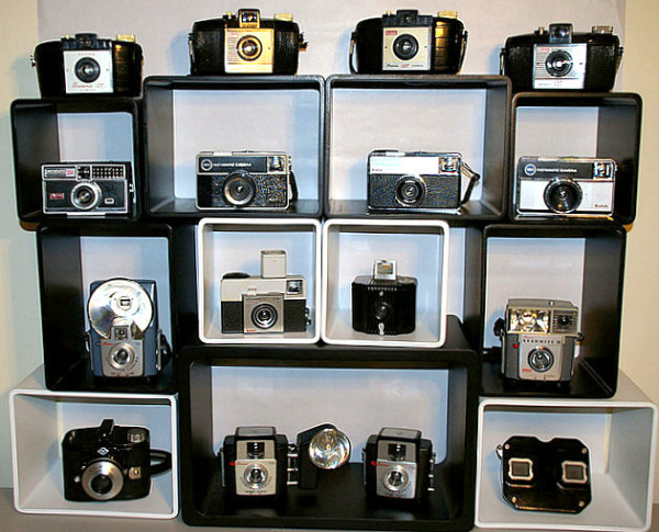 vintage-camera-collection-display-600x485
