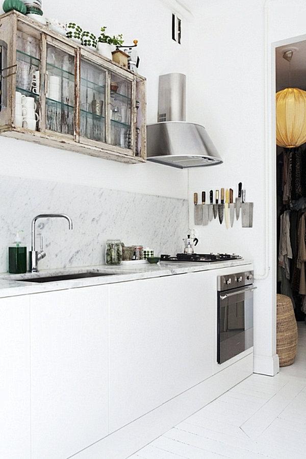 white-bistro-kitchen-with-marble
