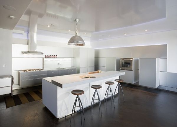 white kitchen design with minimalist lighting Modern & Minimalist Lighting Solutions for a Chic Home