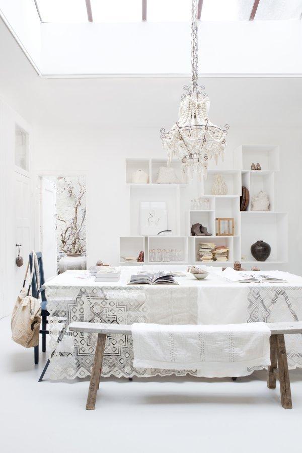 white-shop-interior-10
