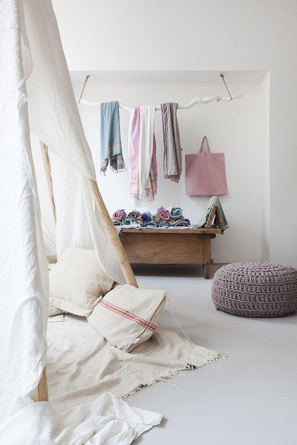 white-shop-interior-3