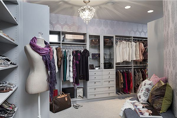 Beautiful Walk In Closet With Fancy Mannequin Decoist
