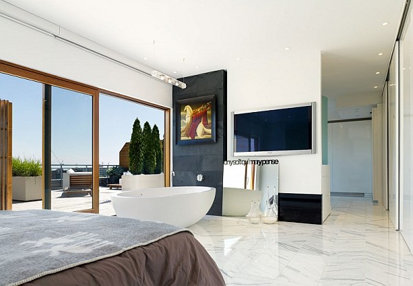 Candy factory lofts penthouse presents a lavish bundle of for Candy bedroom ideas