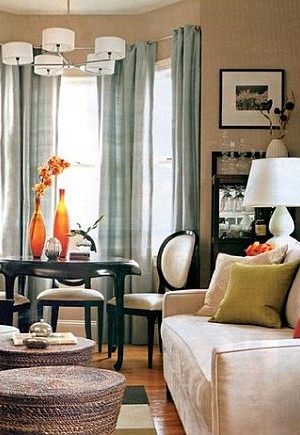 Cozy and colorful living room decor