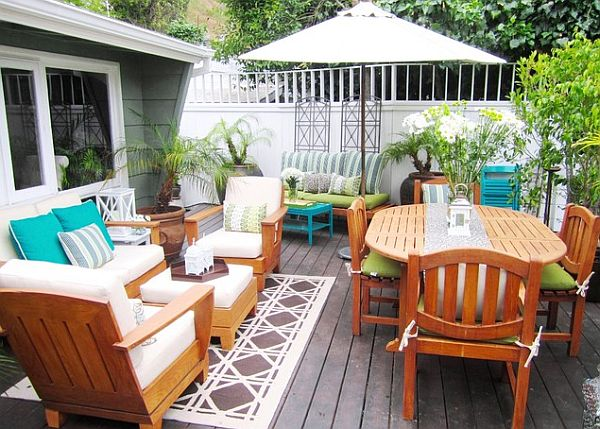 Cozy outdoor patio furniture