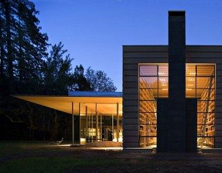 Creekside Residence: Contemporary home that connects with cool meadows