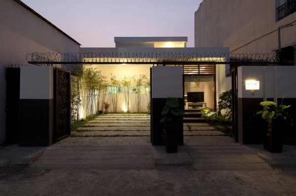 Go Vap Modern House 600x399 Contemporary Vietnamese Home in Ho Chi Minh City Charms with Fancy Indoor Garden