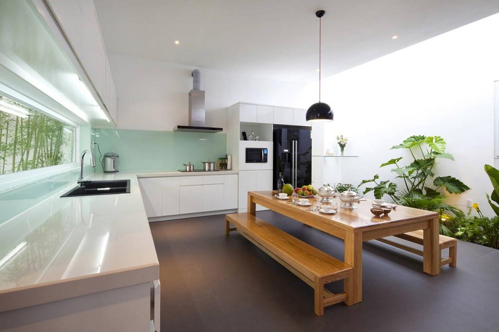 Go Vap Modern House – wood dining table