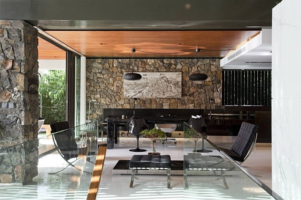 Luxury Greek Villa – glass interiors in living room