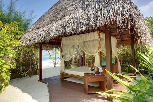 kanuhura island resort breathtaking holiday travel option in the maldives. Black Bedroom Furniture Sets. Home Design Ideas