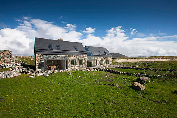 Modern Stone Hut contemporary cottage design Connemara Residence: Contemporary Styled Classic Stone Cottage