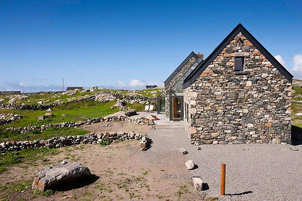 Modern Stone Hut – cottage design