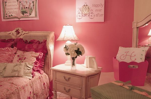 Pink room decor how to beautify your home with pink for Girls murals