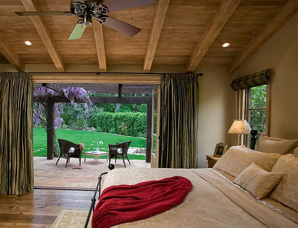 View In Gallery Traditional Master Bedroom Decor With Fancy Drapes