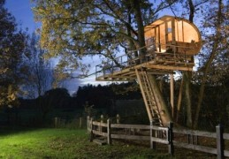 Tree House in Osnabruck, Germany