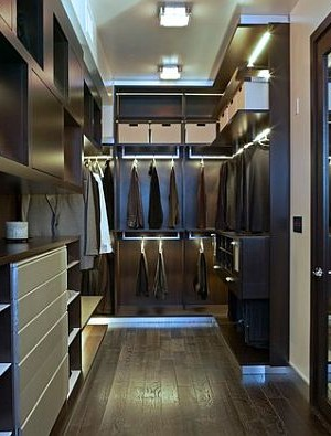 Ultra modern closet design with mirror door