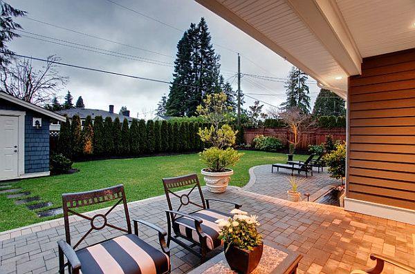 View in gallery Extremely cozy backyard patio - Perfect Backyard Retreat: 11 Inspiring Backyard Design Ideas
