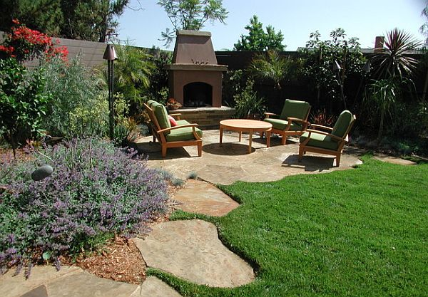Perfect backyard retreat 11 inspiring backyard design ideas for Pics of landscaped backyards