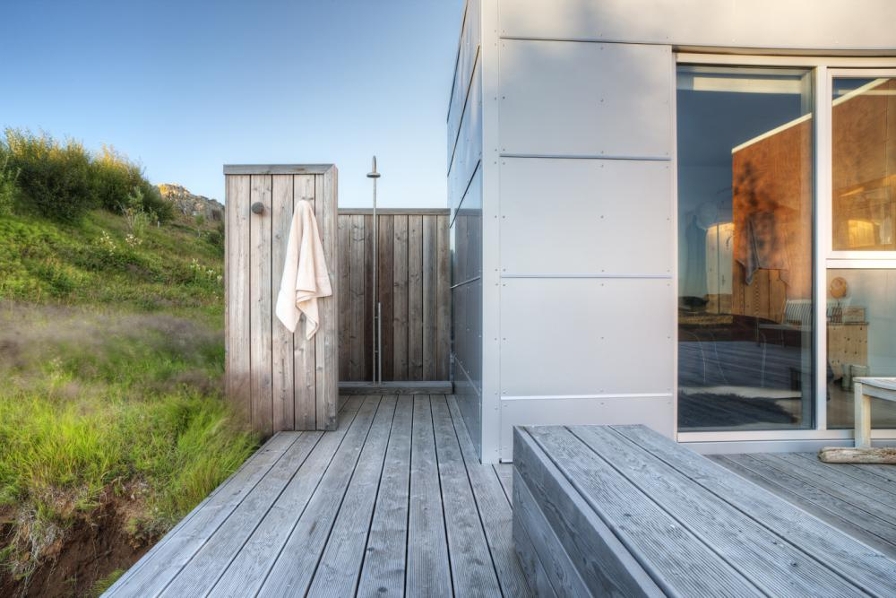 beach house with outdoor shower