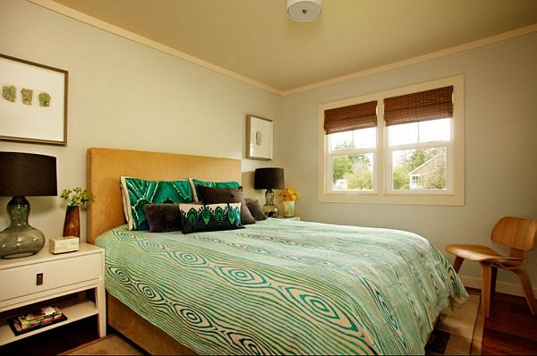 guest bedroom with beachy turquoise bedding