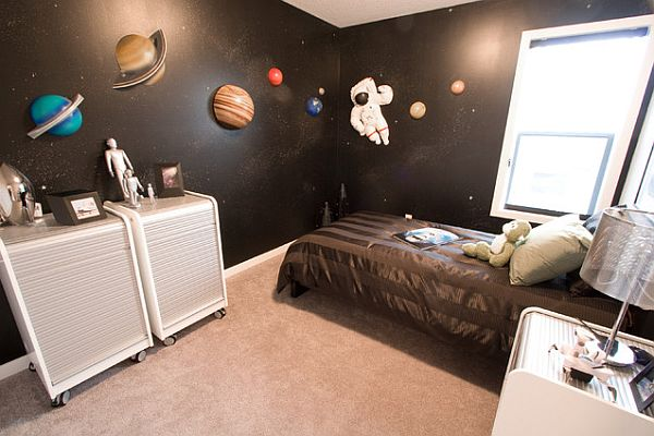 View In Gallery Kids Bedroom With Space Theme Decorating With A Space Theme