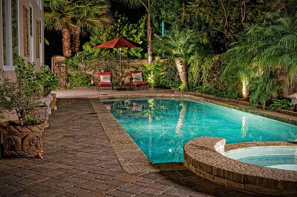 Perfect backyard retreat 11 inspiring backyard design ideas for Back garden swimming pool