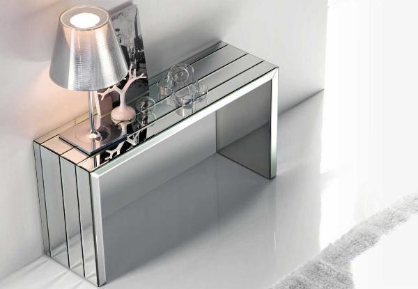 mirrored console table decor