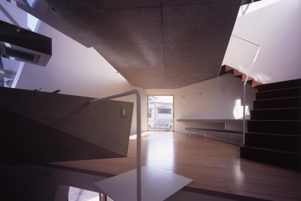 modern tokyo compact house