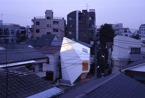 modern tokyo house reflection of mineral
