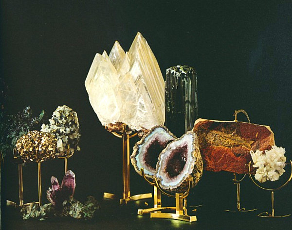 mounted-mineral-specimens